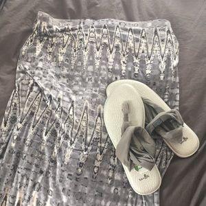 Soft Marty M Grey & White Mid Length Skirt